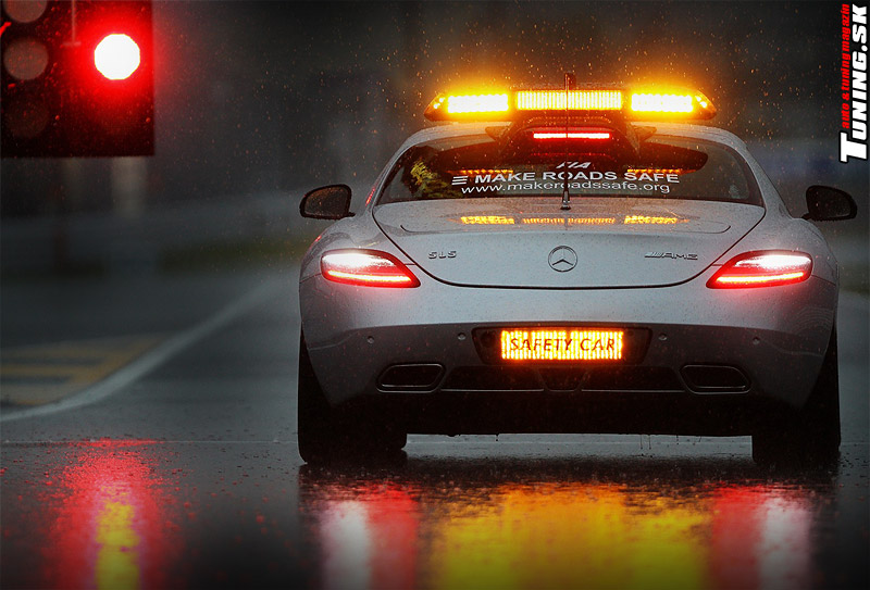 mercedes-sls_safety-car_LED-majaky-predatory